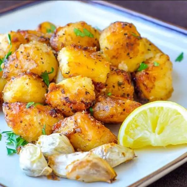 Запечени картофи с лимон и билки 1